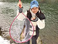 女子釣り、 青木友香