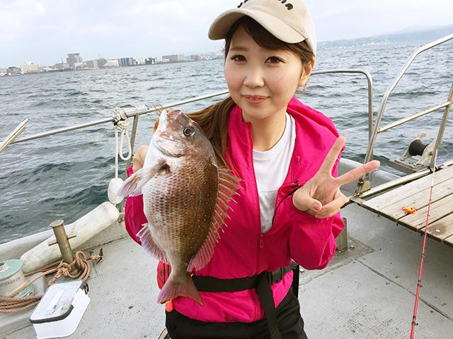 釣り初心者の森田茉莉花さん。初めて釣りに挑戦します。