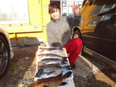 丸銀釣りセンターの2018年12月24日(月)2枚目の写真