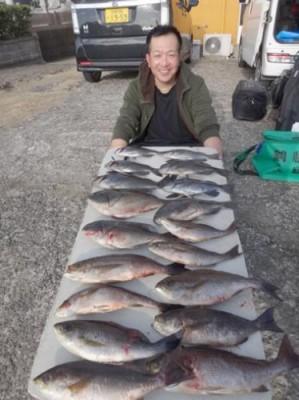 丸銀釣りセンターの2018年12月27日(木)3枚目の写真