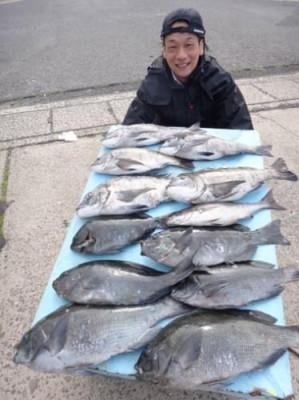 丸銀釣りセンターの2019年4月28日(日)5枚目の写真