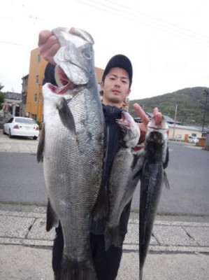 丸銀釣りセンターの2019年4月25日(木)2枚目の写真