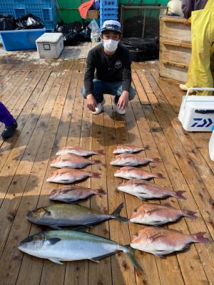 海上釣堀 辨屋の2021年4月1日(木)2枚目の写真