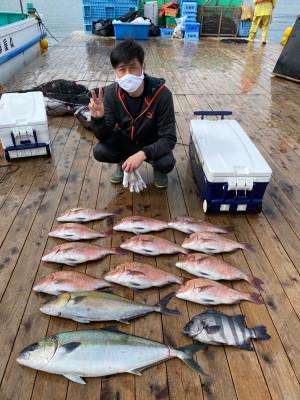 海上釣堀 辨屋の2021年4月3日(土)3枚目の写真