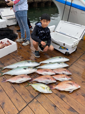 海上釣堀 辨屋の2021年4月4日(日)2枚目の写真