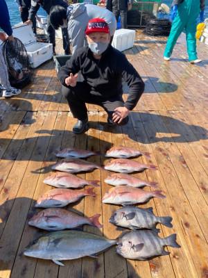 海上釣堀 辨屋の2021年4月5日(月)3枚目の写真