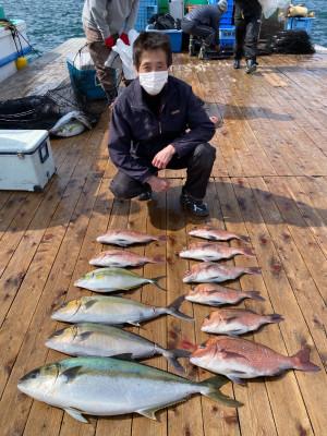 海上釣堀 辨屋の2021年4月9日(金)2枚目の写真
