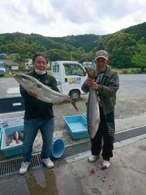 つり堀 傳八屋の2021年4月14日(水)1枚目の写真
