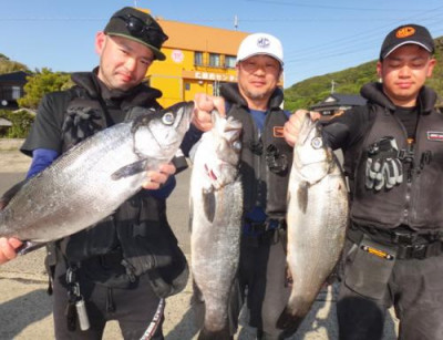 丸銀釣りセンターの2021年4月19日(月)2枚目の写真