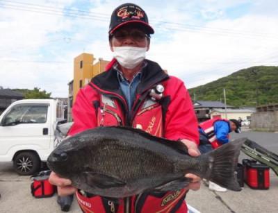 丸銀釣りセンターの2021年4月23日(金)5枚目の写真