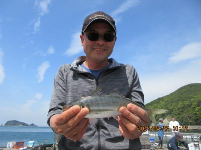 由良海つり公園&釣堀ランドの2021年4月25日(日)3枚目の写真