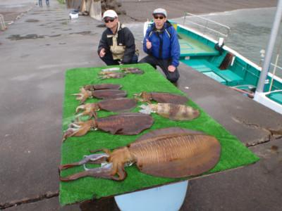 釣り船 久勝丸の2021年5月1日(土)5枚目の写真