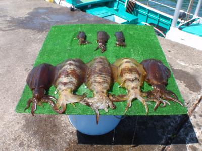 釣り船 久勝丸の2021年5月3日(月)4枚目の写真