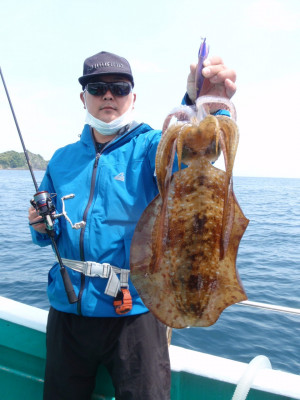 釣り船 久勝丸の2021年5月4日(火)4枚目の写真