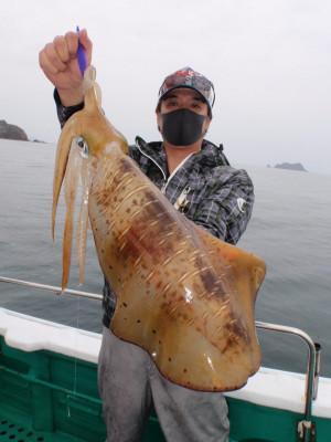 釣り船 久勝丸の2021年5月7日(金)3枚目の写真