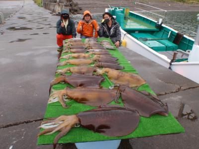 釣り船 久勝丸の2021年5月7日(金)5枚目の写真