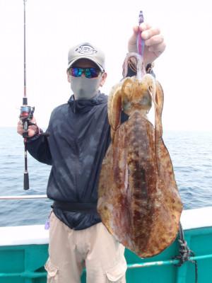 釣り船 久勝丸の2021年5月8日(土)5枚目の写真