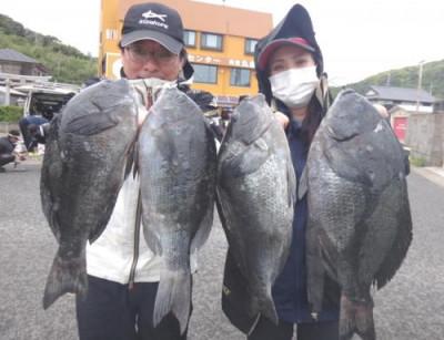 丸銀釣りセンターの2021年5月26日(水)1枚目の写真