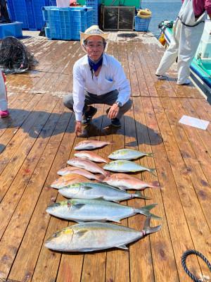 海上釣堀 辨屋の2021年7月28日(水)3枚目の写真