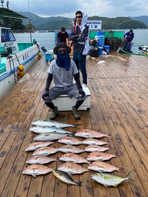 海上釣堀 辨屋の2021年7月30日(金)3枚目の写真