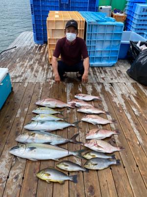 海上釣堀 辨屋の2021年7月30日(金)4枚目の写真