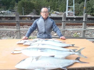 海上釣り堀 天海の2018年12月9日(日)1枚目の写真