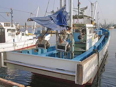 宮田丸の船と店の写真