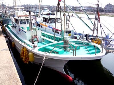 利永丸の船と店の写真