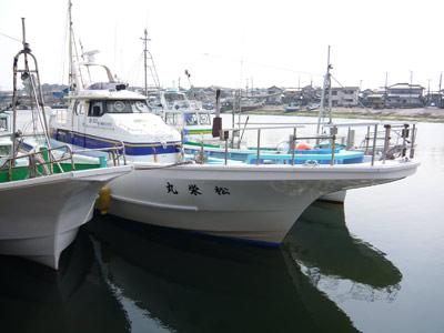 松栄丸の船と店の写真