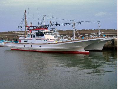 山正丸の船と店の写真