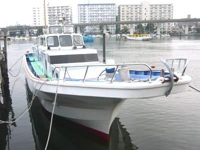 あい川丸の船と店の写真