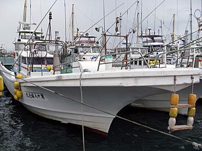 第十八福徳丸の船と店の写真