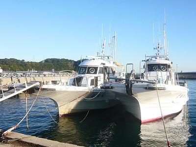 竜宝丸の船と店の写真