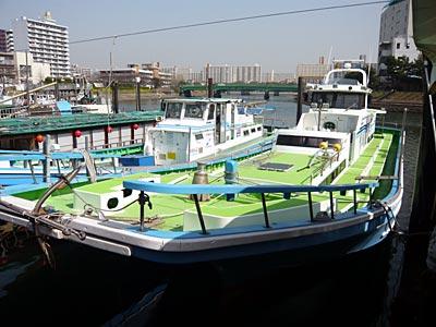 船宿いわたの船と店の写真