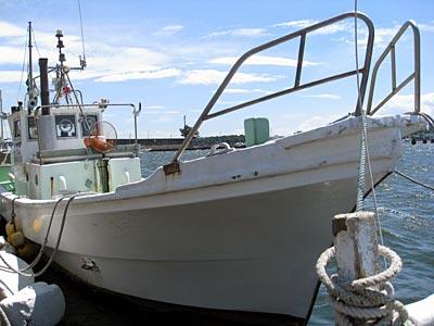 海秀丸の船と店の写真