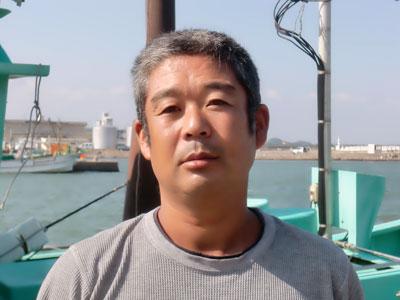 板倉丸の船と店の写真