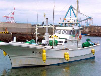 海栄丸の船と店の写真