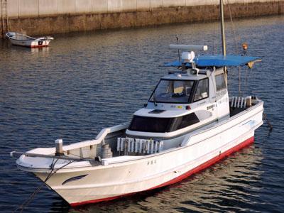 来島丸の船と店の写真