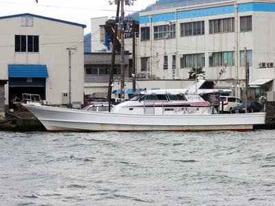 秀吉丸の船と店の写真
