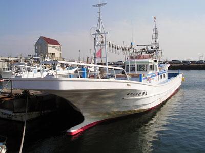 作田丸の船と店の写真