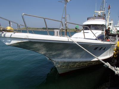 博栄丸の船と店の写真