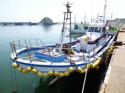 武丸の船と店の写真