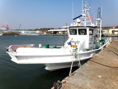 大萬丸の船と店の写真