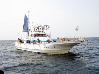 八坂丸の船と店の写真