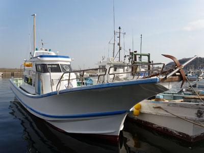 優誠丸の船と店の写真