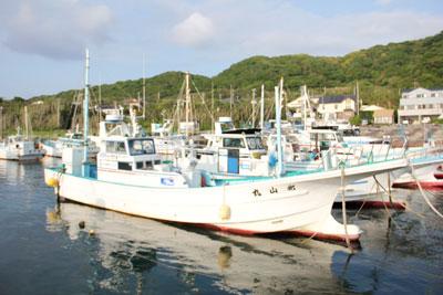 北山丸の船と店の写真