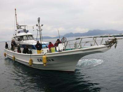 吉田丸の船と店の写真