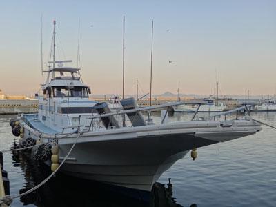 喜平治丸の船と店の写真