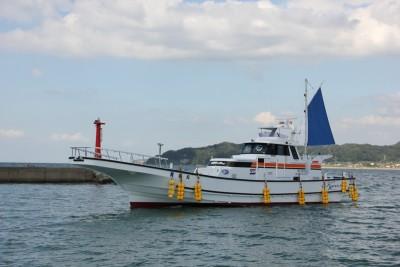 共栄丸の船と店の写真