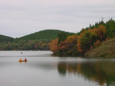 秋の保古の湖